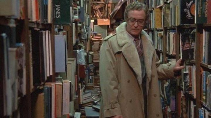 The coat beige fur collar worn by Elliot (Michael Caine) in Hannah and her sisters Movie