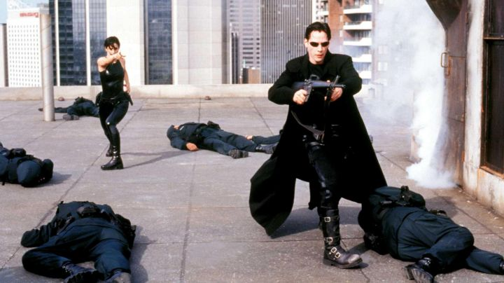 Fashion Trends 2021: The coat-gothic, Neo (Keanu Reeves) in the Matrix