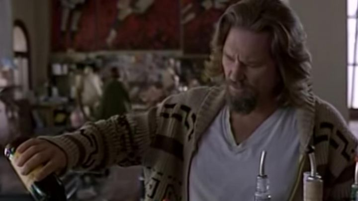 The coffee liqueur Kahlua to The Dude (Jeff bridges) in The Big Lebowski - Movie Outfits and Products