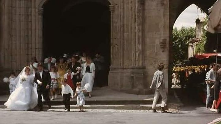 The collegiate church of Saint-Michel de Castelnaudary in The hell of Claude Chabrol - Movie Outfits and Products