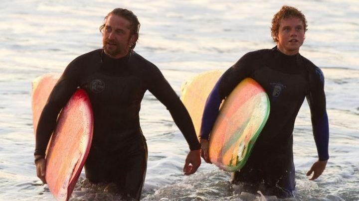 The combination of Frosty Hesson (Gerard Butler), in Chasing Mavericks - Movie Outfits and Products