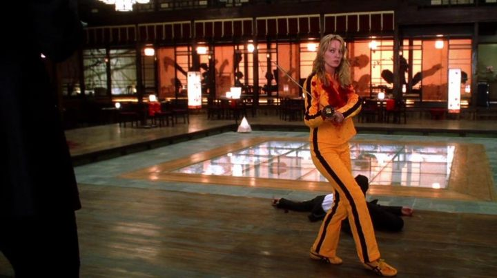 The combination of a motorcycle yellow with black stripes of Black Mamba (Uma Thurman) in Kill Bill volume 1 movie