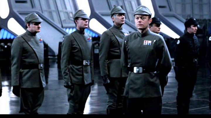Fashion Trends 2021: The conduct of the imperial officers in Star Wars IV : A new hope