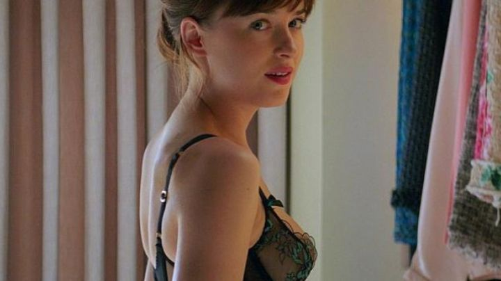 The corset Agent Provocateur of Anastasia Steele (Dakota Johnson) in 50 shades darker movie
