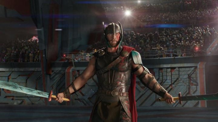 The costume (child version), Thor (Chris Hemsworth) in Thor Ragnarok - Movie Outfits and Products