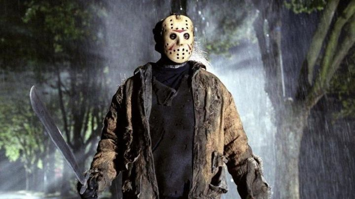 The costume of Jason Voorhees (Ari Lehman) in the movie Friday the 13th - Movie Outfits and Products