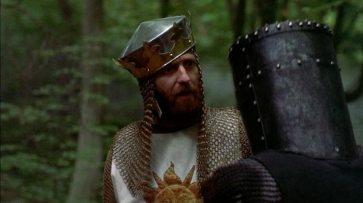 The costume of King Arthur (Graham Chapman) in Monty Python - the Holy Grail !