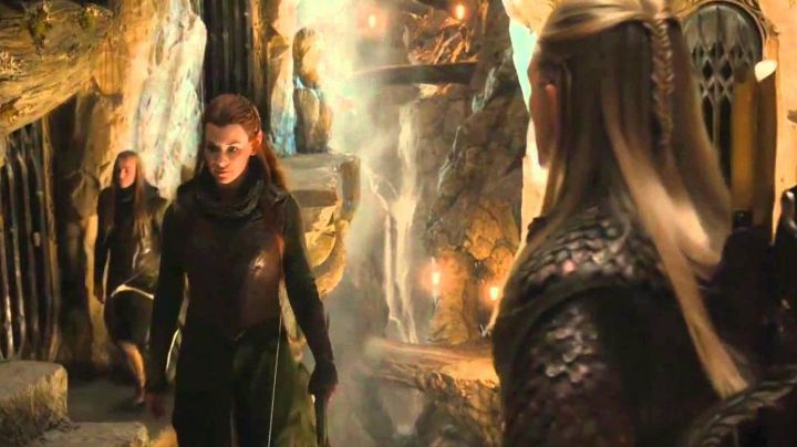 The costume of Tauriel (Evangeline Lilly) in The Hobbit : The desolation of Smaug - Movie Outfits and Products