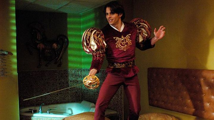 The costume of the Prince Edward (James Marsden) in It was once - Movie Outfits and Products