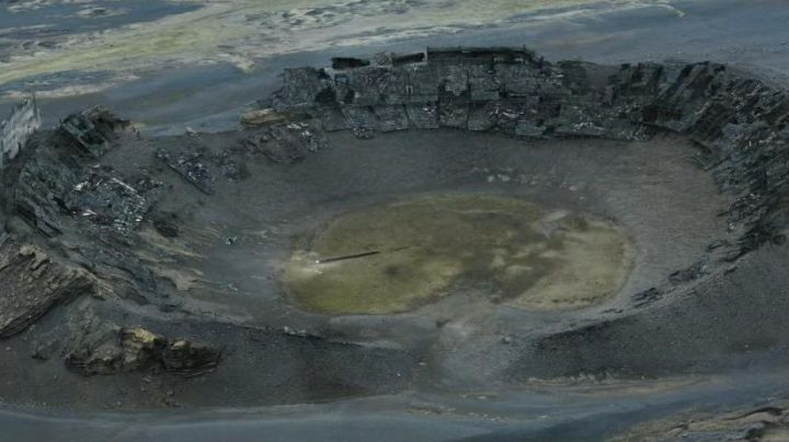 The crater of Hrossaborg in Iceland in Oblivion - Movie Outfits and Products