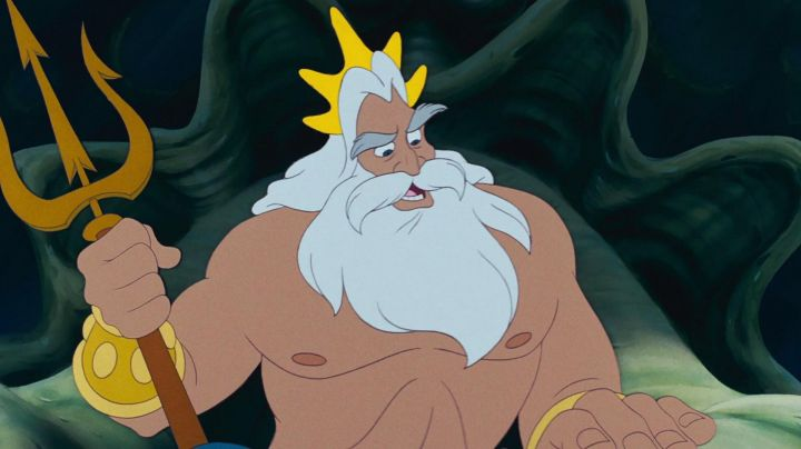 The crown of King Triton in The little Mermaid - Movie Outfits and Products