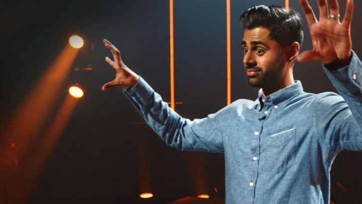 The denim shirt of the brand Officine Generale scope by Hasan Minhaj in his show Homecoming King Movie