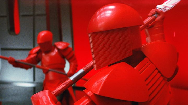 The disguise of a luxury of the Praetorian Guard in Star Wars 8-The Last Jedi - Movie Outfits and Products