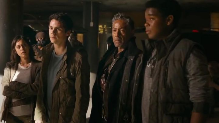 The down jacket black Frypan (Dexter Darden) in The Labyrinth : the cure mortal - Movie Outfits and Products