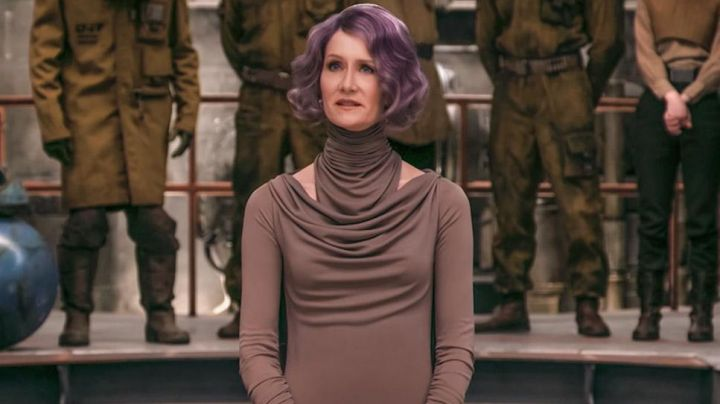 The draped dress of the admiral Amilyn Holdo (Laura Dern) in Star Wars : The last Jedi