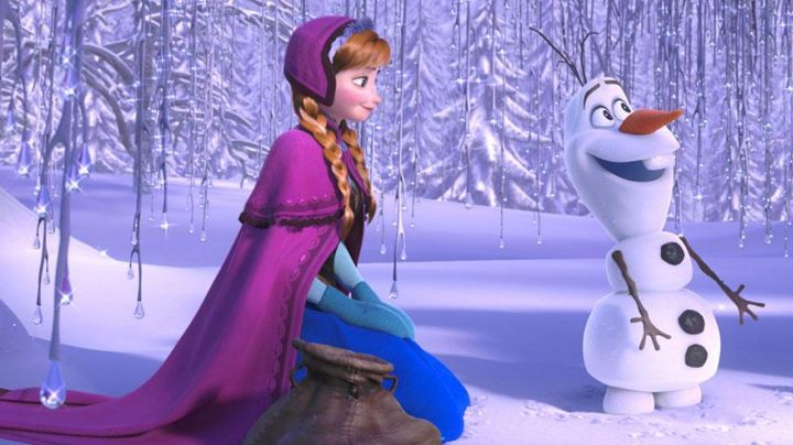 The dress Anna adult in The snow Queen - Movie Outfits and Products
