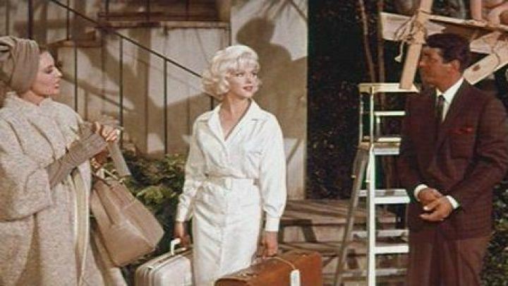 The dress blouse white worn by Ellen Arden (Marilyn Monroe) in Something's Got to Give movie