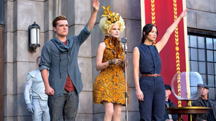 The dress butterfly Effie Trinket (Elizabeth Banks) in Hunger games - Movie Outfits and Products