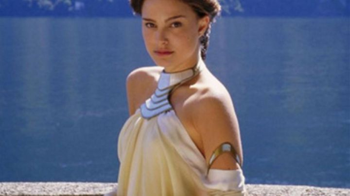 The dress gradient of Padmé Amidala (Natalie Portman) in Star Wars II : attack of The clones - Movie Outfits and Products