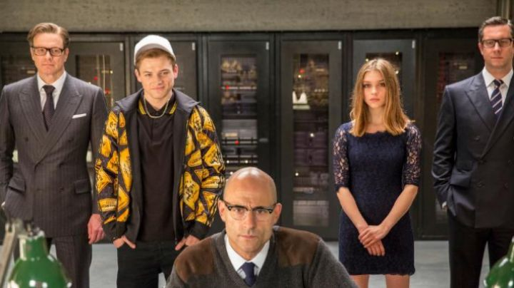The dress laces blue Roxy (Sophie Cookson) in Kingsman : the Secret Service - Movie Outfits and Products