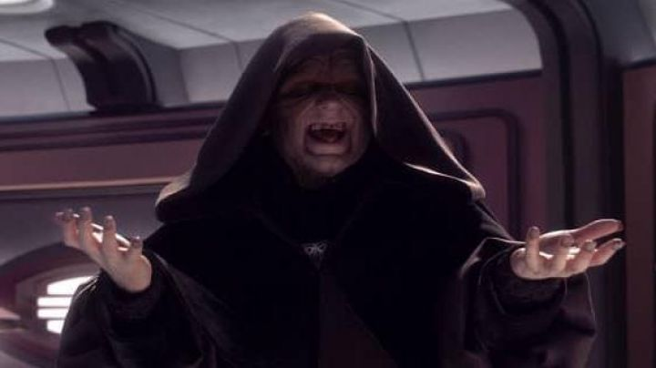 Fashion Trends 2021: The dress of the Sith emperor Palpatine in Star Wars
