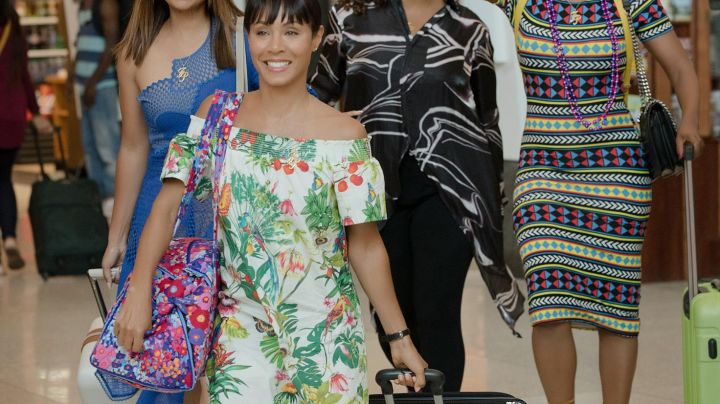 The dress to flowers by Lisa Cooper (Jada Pinkett Smith) in Girls Trip - Movie Outfits and Products