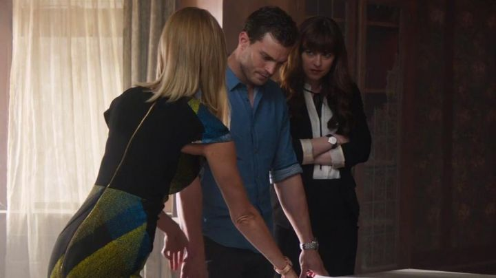 Fashion Trends 2021: The dress worn by Gia Matteo (Arielle Kebbel) in Fifty shades lighter