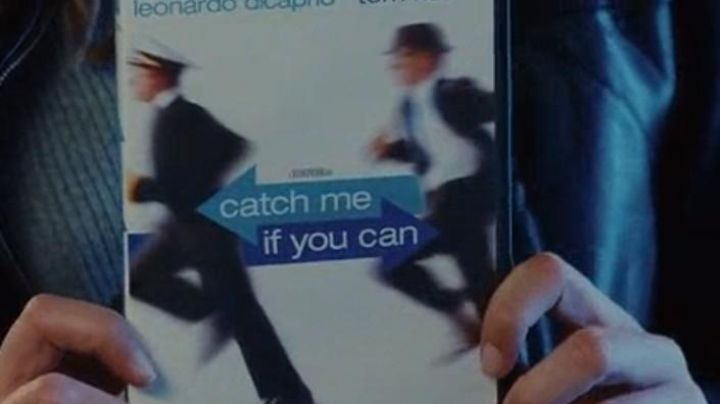 The dvd of the movie Stop me if you can seen in the film A happy event - Movie Outfits and Products