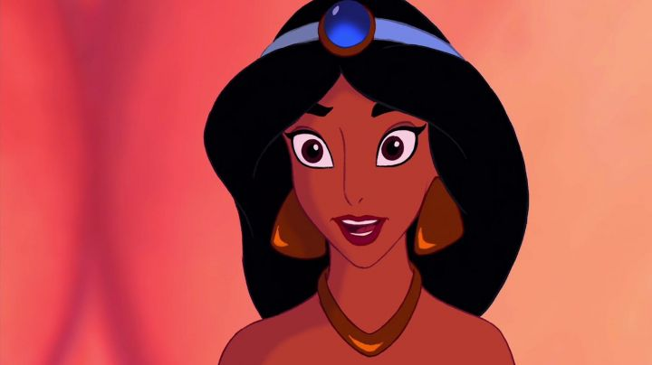 The earrings Jasmine in Alladin