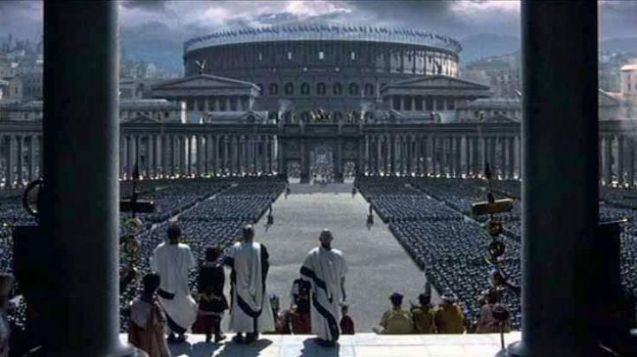 The entry of Commodus (Joaquin Phoenix) at the Coliseum in Rome, Gladiator - Movie Outfits and Products