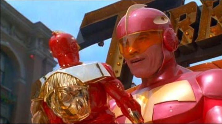 The figure Turbo Man Howard Langston (Arnold Schwarzenegger) in The race to the toy - Movie Outfits and Products