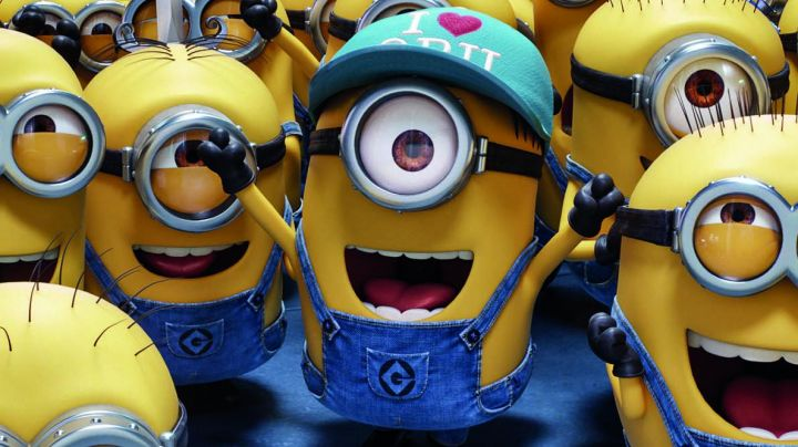 The figurine of the Minion wearing the hat I