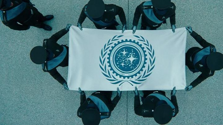 """Fashion Trends 2021: The flag of """"the United Federation of Planets"""" from Star Trek Into Darkness"""