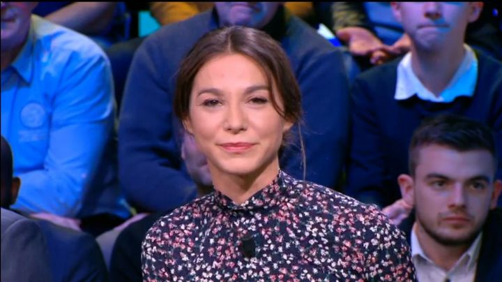 The floral dress from Marina Lorenzo in D+1 of the 25/01/2018 - Movie Outfits and Products