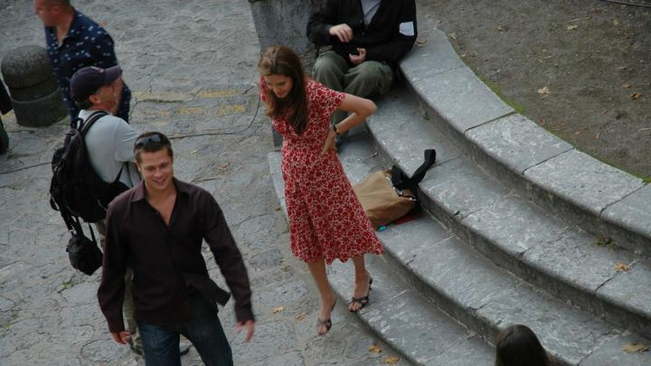 The floral dress worn by Angelina Jolie on the set of Mr & Mrs Smith Movie