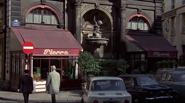 The former Restaurant Pierre, 1, rue Gaillon, Paris, in The Stranglehold - Movie Outfits and Products