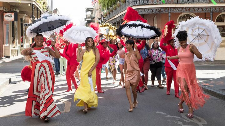 The fringed dress of Dina in Girls trip - Movie Outfits and Products