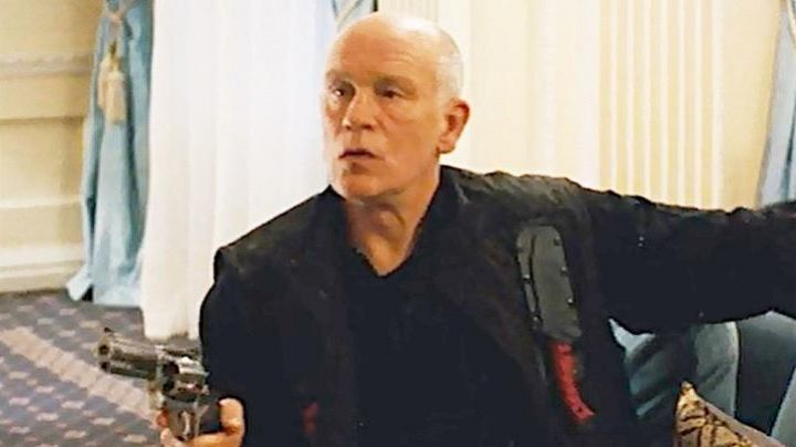 Fashion Trends 2021: The genuine military jacket of John Malkovich in Red 2