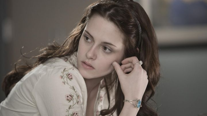 The genuine turquoise bracelet Bell Swan (Kristen Stewart) in Twilight