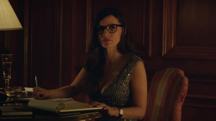 The glasses of Molly Bloom (Jessica Chastain) in The Great Game Movie