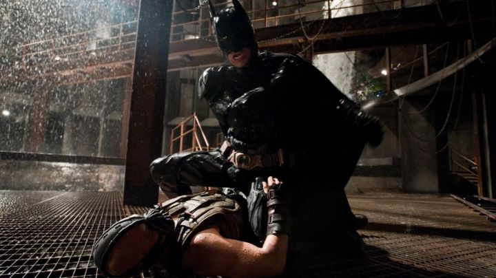 Fashion Trends 2021: The glove fight Bane (Tom Hardy) in The Dark Knight Rises