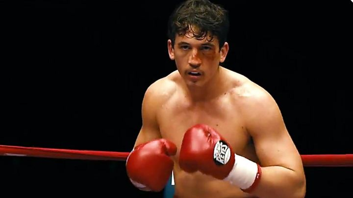 The gloves Vinny Pazienza (Miles Teller in Bleed for This - Movie Outfits and Products