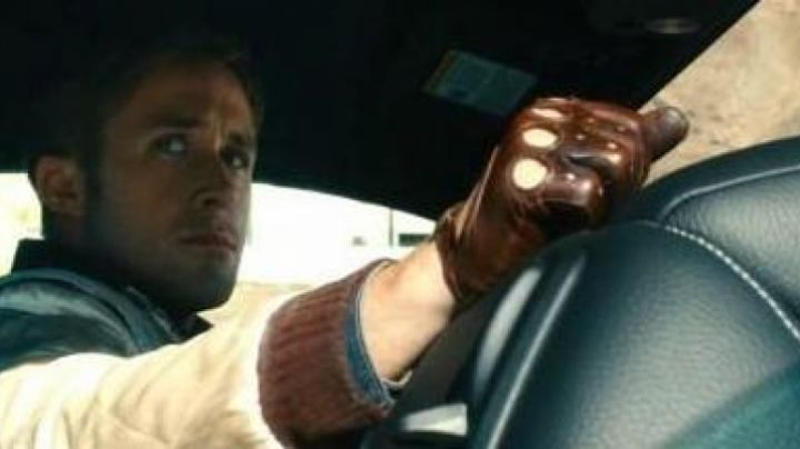 The gloves in brown leather worn by the driver (Ryan Gosling) in Drive - Movie Outfits and Products