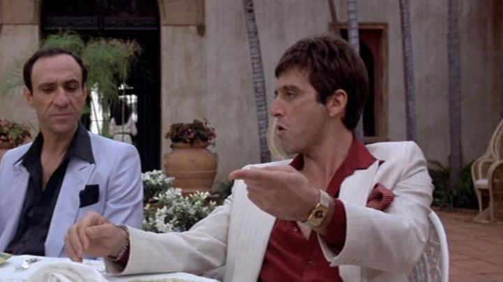 The gold watch Omega The Magic of Tony Montana (Al Pacino) in Scarface movie