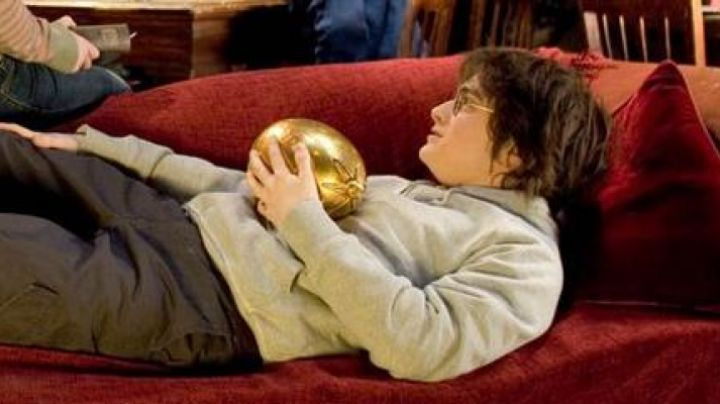 The golden egg from Harry Potter (Daniel Radcliffe) in Harry Potter and the goblet of fire movie