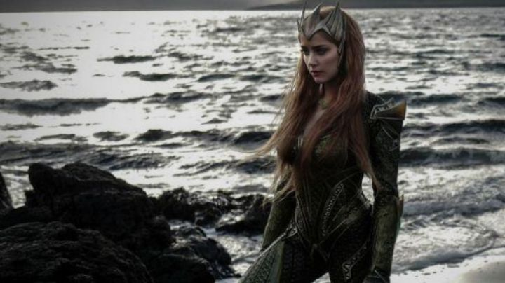 The green costume of Mera (Amber Heard) in Justice League