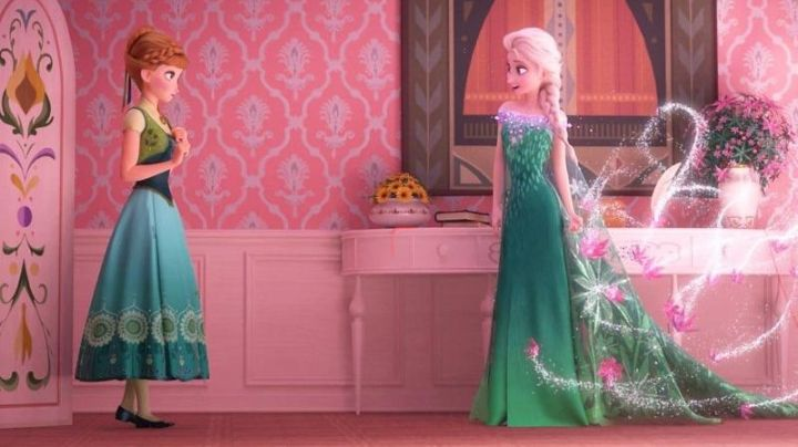 The green dress of Anna in The Snow Queen : A celebration of frosty