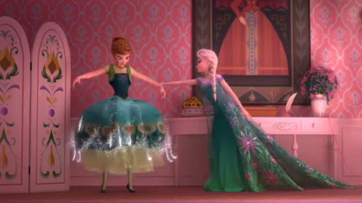 The green dress of Elsa in The Snow Queen : A celebration of frosty