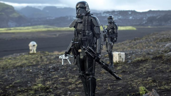 The grenades Deathtrooper in Rogue One : A Star Wars Story - Movie Outfits and Products
