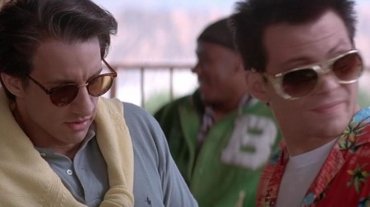 The grey polo Ralph Lauren from Elliot Blitzer (Bronson Pinchot) in True Romance - Movie Outfits and Products